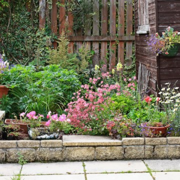 Landscaping ideas for a busy schedule
